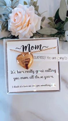 Surprise! Gift for mom! Going to have a baby! Announcement gift. Locket. Grandma to be. Rose gold Vintage Kids Clothes, Vintage Children, Personalized Bridesmaid Gifts, Mother's Day Diy, Photo Heart, Having A Baby, Baby Shower Favors, Parenting Advice, Special Gifts