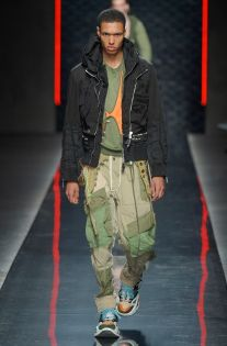 See all the looks from the collection. Men's Fashion, Fashion News, Fashion Trends, Young T, La Mode Masculine, Cut And Style, Dsquared2, Bomber Jacket, Menswear