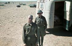 1941, Afrique du Nord, Deux officiers allemands de l'Afrikakorps en tenue…