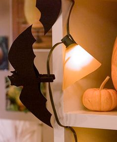 Create your own Halloween Critters – Wooden Clothespins Bats : Factory Direct Craft Blog