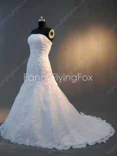 Shimmering Strapless Neckline Full Length Trumpet/Fishtail Wedding Dresses With Lace Appliques