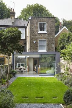 The Glazed Courtyard is a period property is situated in West London. Want to know more about the project?