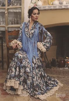 Todo Ideas en traje de flamenca vicky Flamenco Dancers, Flamenco Dresses, Spring Is Here, Spanish Style, Kimono Top, Bohemian, Velvet, My Style, Collection