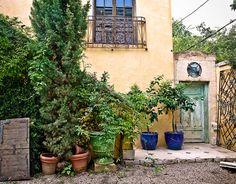 wood, iron, balconies, stucco, pots..espanol