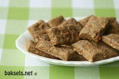baksels.net | Fries koekje: het Fryske dûmke, een koekje dat niet zo zoet is en gevuld met stukjes hazelnoot en anijszaad.
