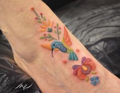 Fernanda Álvarez is creating Mexican embroidery tattoo inspired by her heritage. The colorful floral designs showcase a variety of stitching styles. Palm Tattoos, Love Tattoos, Unique Tattoos, Body Art Tattoos, Tattoos For Women, Tatoos, Floral Tattoos, Polynesian Tattoos, Geometric Tattoos