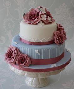 karen van epps | cute small vintage wedding cakes Vintage Wedding Cakes
