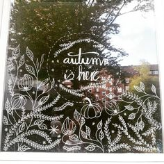 Boutiquizing Inspo: Autumn is here! But you could probably tell that from the inclusion of the pumpkin. Trendwatch: Liquid chalk markers \ Illustrations \ Window art \ Fall & Autumn. Artwork by Carroll Kolasa @carroll_kolasa More