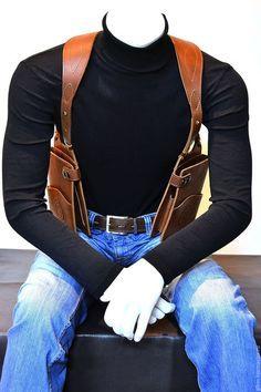Купити або замовити Сумка - кобура в інтернет-магазині на Ярмарку Майстрів. Сумка - кобура 'hands-free' под левую и правую руку, на оперативных плечах, выполнена из натуральной кожи растительного дубления КРС, очень удобная, стильная и модная. Имеет множество карманов для разных мелочей, Руки свободные, а у Вас всё с собой) Размеры и наборы карманов можем выполнить по Вашим пожеланиям! Возможна разработка и исполнение индивидуальных заказов!!!