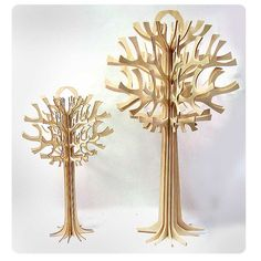 I like the way the trunk is formed from separate pieces of wood.    The feel of the tree is right, but I don't like the shape of the branches