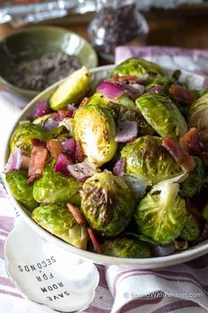Garlic Roasted Brussels Sprouts with Bacon merge the goodness of tender Brussels sprouts along with the indulgence of crisp smoky bacon and loads of sweet garlic. This easy roasted veggie dish will become a staple side at your dinner table! Garlic Recipes, Lamb Recipes, Vegetable Recipes, Cooking Recipes, Meat Recipes, Pasta Recipes, Baked Brussel Sprouts, Sprouts With Bacon, Brussels Sprouts