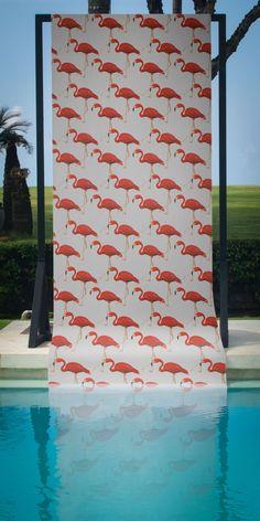A contemporary take on a classic wallpaper motif - the elegant flamingo. Classic Wallpaper, Animal Wallpaper, Elle Decor, Designer Wallpaper, Animals Beautiful, Flamingo, Contemporary, Outdoor Decor, Bedrooms