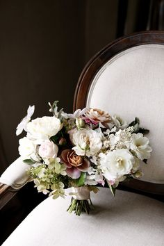 elegant bridal bouquet | image via: 100 layer cake