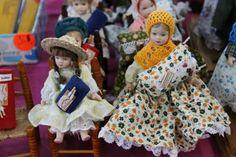 Muñecas encajeras