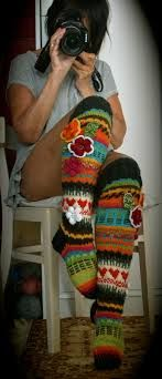 Crochet Patterns Socks Look how cute! These are knit, but these would be SO cute for crochet too! Crochet Leg Warmers, Knit Mittens, Crochet Slippers, Knitting Socks, Knit Crochet, Knit Socks, Yarn Projects, Crochet Projects, Knitting Patterns
