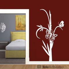 Vinilo decorativo de que combina la caña de bambú con dos mariposas. El bambú como alegoría a la elevación espiritual, sus nudos son los peldaños en el camino a la perfección mientras que las mariposas simbolizan belleza y evolución. De orientación vertical, es ideal para todo tipo de espacios. #teleadhesivo #decoracion