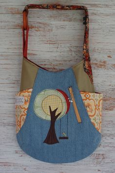 241 bag by Cul de Sac. 100% eco-friendly, handmade with reclaimed and recycled materials (pattern by noddlehead)