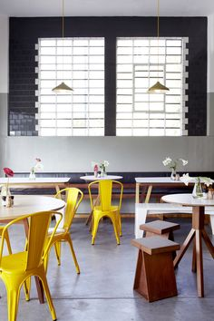 / modern and simple / shop interiors, café restaurant, restaurant design, r Cafe Interior, Shop Interior Design, Retail Design, Café Restaurant, Restaurant Design, Restaurant Interiors, Design Café, Cafe Design, Store Design