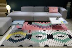 Superbe! Covoare din lână cu motive românești create de Andreea Batros și Flavia Scînteanu Contemporary, Modern, Couch, Interior Design, Rugs, Bedroom, Furniture, Home Decor, School