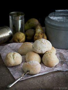 World Bread Day: Zucchini Quark Rolls Zucchini Quark Brötchen www.juliettaseasons.com