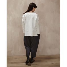 muku - White Top with Cropped Detail White Tops, Normcore, Wool, Detail, How To Wear, Style, Fashion, Swag, Moda