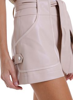 Shorts Outfits Women, Short Outfits, Fashion Pants, Fashion Outfits, Womens Fashion, Pants For Women, Clothes For Women, Mode Vintage, Cute Shorts