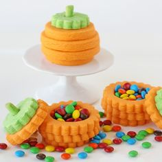Several months ago, I was chatting with a cookie friend (hi Trinette!) and we were talking about inspiring cookies we had seen recently. THESEcreative pinata cookies came up. As we continued chatting, our conversation shifted to cookie designs we might like to try for the comingseasons (Fall and Christmas). Suddenly… an idea hit me!I blurted …