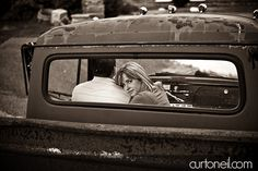 Old Truck Country Engagement Pictures 66 Ideas Trendy Old Truck Country Engagement Pictures 66 Ideas Old Truck Photography, Prom Photography Poses, Engagement Photography, Homecoming Pictures, Prom Photos, Wedding Picture Poses, Wedding Pictures, Country Engagement Pictures, Studios