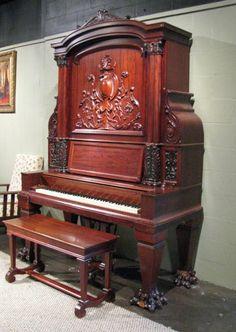 Piano  vertical  en  caoba - 1899 antiguos 'estilo jirafa'