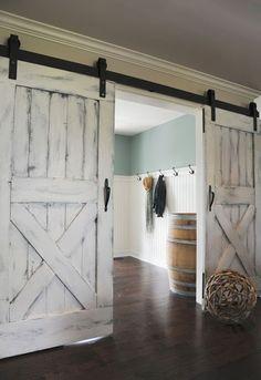 Romantic rustic farmhouse master bedroom decorating ideas (64)