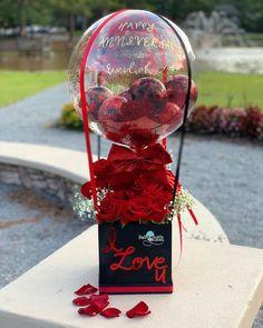 Balloon Box, Balloon Gift, Balloon Flowers, Balloon Bouquet, Valentines Balloons, Valentines Diy, Birthday Balloon Decorations, Birthday Balloons, Valentine Baskets