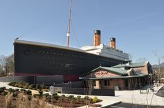 Titanic Attraction in Pigeon Forge! Touch a real ice burg!