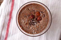 Chocolate Hazelnut Smoothie - add some Greek Yogurt Healthy Drinks, Healthy Recipes, Cocktail Recipes, Cocktails, Cacao Nibs, Chocolate Hazelnut, Vegetarian Chocolate, Nutritional Supplements, Greek Yogurt
