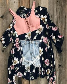 Cute Casual Outfits For High School; Cute Outfits Without Jeans till Cute Summer Outfits In Style Cute Sporty Outfits, Cute Summer Outfits, Stylish Outfits, Spring Outfits, Winter Outfits, Teen Fashion Outfits, Outfits For Teens, Girl Outfits, Dress Outfits