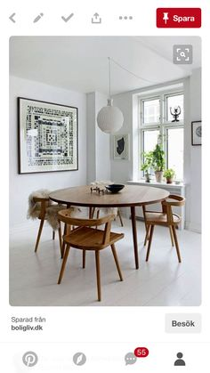 Get inspired by these dining room decor ideas! From dining room furniture ideas, dining room lighting inspirations and the best dining room decor inspirations, you'll find everything here! Dining Room Design, Dining Room Furniture, Dining Room Table, Furniture Ideas, Mid Century Dining Table, Round Wood Dining Table, Mid Century Modern Dining Room, Retro Dining Table, Dining Area