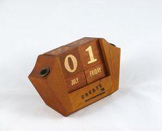 Vintage 1970s Teak Perpetual Desk Calendar by NikNakNook.