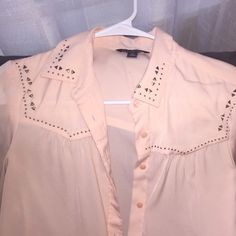 American eagle blouse Beautiful peach blouse with a little bit of country nice and flows great with skinny jeans and a bootie American Eagle Outfitters Tops Blouses