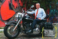 O colecionador  Renato Oliva, presidente do banco Cacique, é reconhecido como colecionador de motocicletas por amigos e executivos do mercado financeiro.