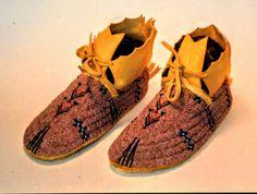 By Jim Lenoch - Cheyenne style men's shoes Braintan rawhide size 13 cuts and uncut beads