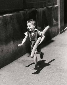 "Le Petit Parisien – ""The Little Parisian"", Paris, 1952 © Willy Ronis"