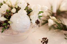 Interior / Home Decor: Winter Wonderland | Mood For Style - Fashion, Food, Beauty & Lifestyleblog | weiße Christbaumkugeln