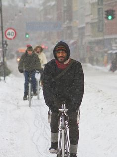 Snowstorm Calm and Cool - Winter Cycling in Copenhagen by Mikael Colville-Andersen, via Flickr