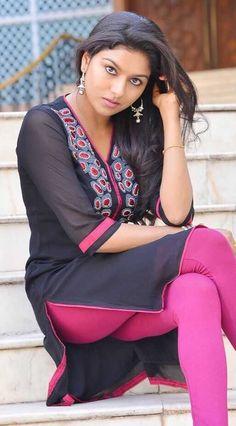 very cute women Beautiful Girl In India, Beautiful Girl Photo, Beautiful Asian Girls, Beautiful Women, Beautiful Bollywood Actress, Most Beautiful Indian Actress, Beautiful Actresses, Desi Girl Image, Dehati Girl Photo