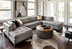 Looking for modern living room ideas with furniture and decor? Explore our beautiful living room ideas for interior design inspiration. Living Room Sectional, Living Room Grey, Home Living Room, Living Room Designs, Grey Sectional, Sectional Sofa Layout, Large Sectional, Cozy Living, Small Living