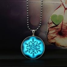 Glow In The Dark Necklace Christmas Gift Snowflake Glowing Steampunk Long Stainless Steel Necklace (Exposure in the sun first)(China (Mainland))