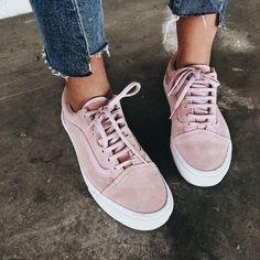 Pink Vans/ Vans sneakers roze / dusty roze sneakers Vans old skool Cute Casual Shoes, Cute Shoes, Me Too Shoes, Cute Vans, Trendy Shoes, Dress Casual, Work Casual, Women's Casual, Rosa Vans