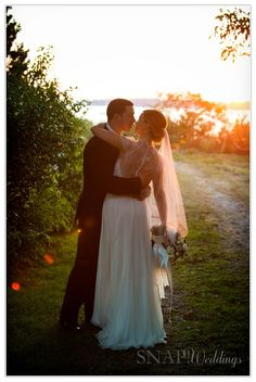 Blithewold Wedding, Sunset, Romance, Kiss, Bride and Groom, Waterview, © Snap Weddings