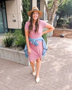 Cute T-Shirt Dress Outfit, how to style a t shirt dress, summer outfit inspo, spring outfit inspiration, shirt dress ideas, mom outfits, casual style, momiform, 32 degrees, target fashion, athleisure outfit