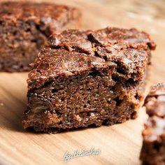 Murzynek bez cukru i bez kakao! Za to z burakiem, którego nie czuć nic a nic! Healthy Cake, Vegan Cake, Healthy Sweets, Vegan Food, Sweet Recipes, Cake Recipes, Dessert Recipes, Sweets Cake, Wonderful Recipe
