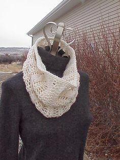 Natasha Brioche Cowl knitted cowl in warm merino wool reversible cowl scarf knit chunky infinity floral scarf